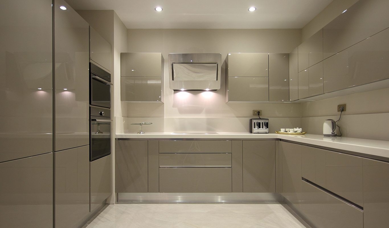 Contemporary Kitchen with high gloss cabinetry