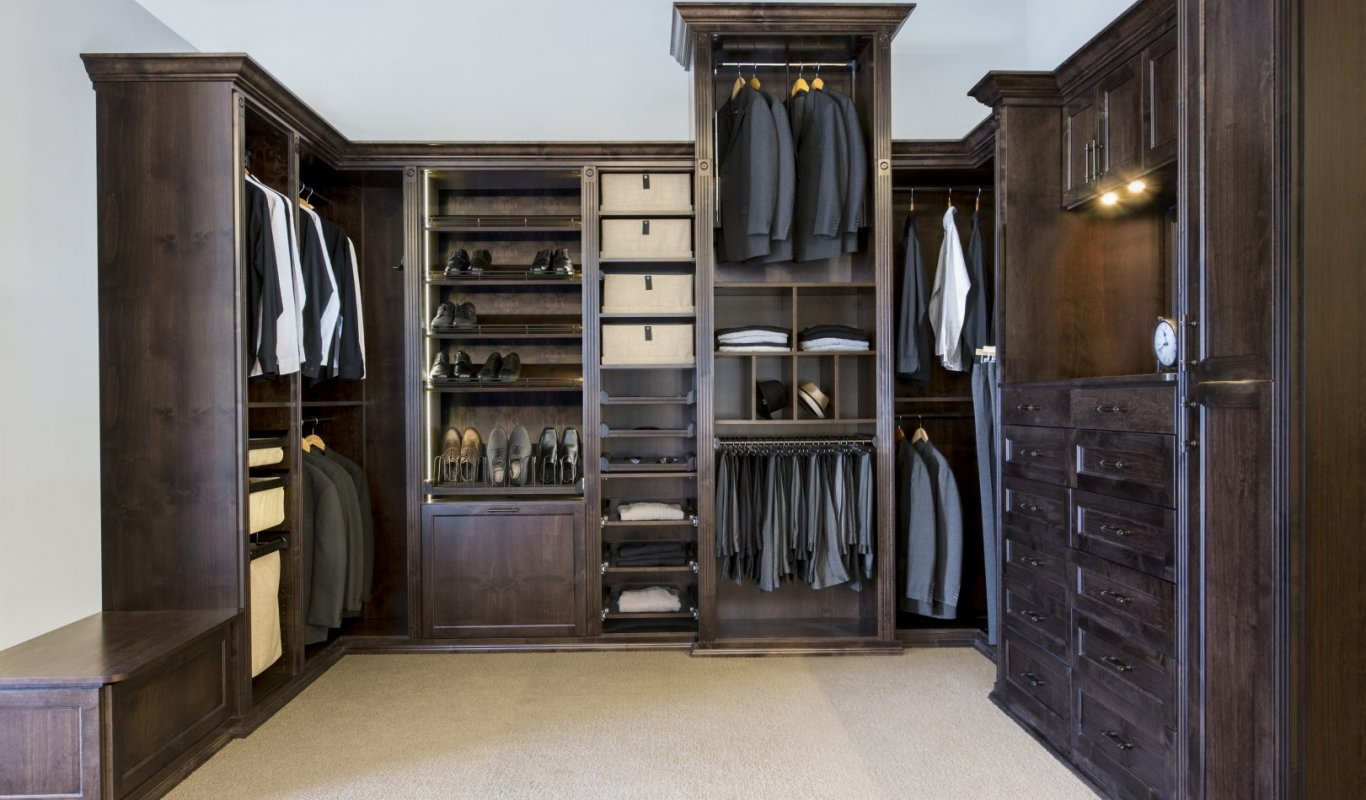 Traditional Men's Custom Closet